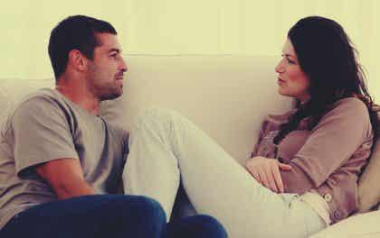 Fem tips for å forbedre kommunikasjonen i et forhold