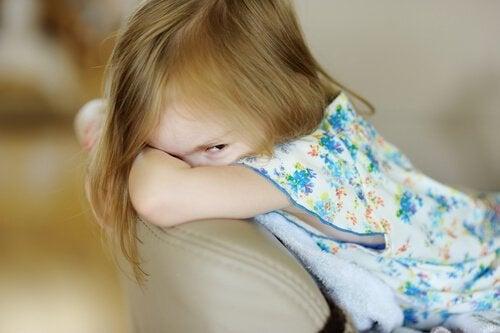 Psykopati hos barn: Symptomer, årsaker og behandling