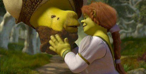 Shrek kysser fiona.