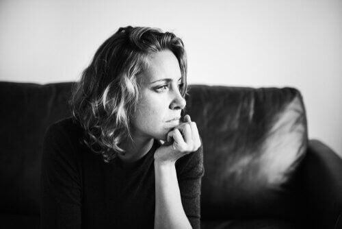Polarisert tenkning: En kognitiv forvrengning