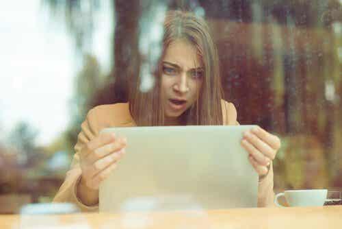 Psykologien bak sosiale medietroll