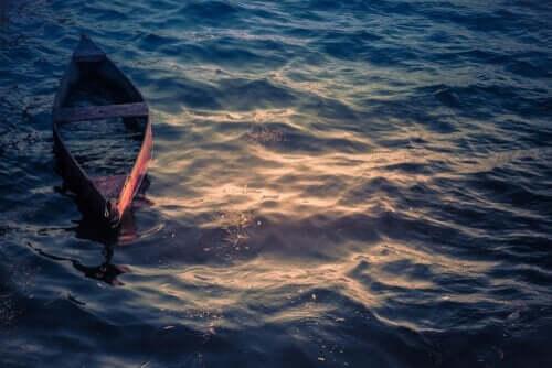 En båt i vannet.