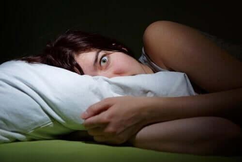 Fenomenet søvnparalyse: En livaktig opplevelse