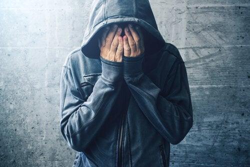 Rusmiddelbruk, -misbruk og -avhengighet