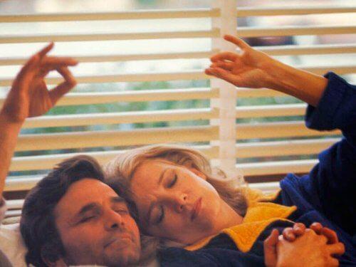 Bilde fra Kvinne under påvirkning, en film med et feministisk budskap