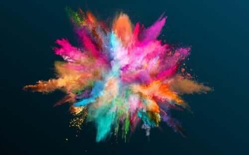 Et fyrverkeri av en fargeeksplosjon