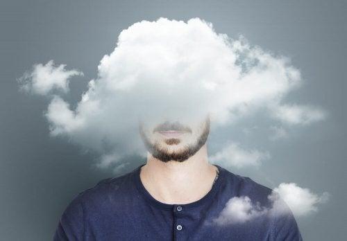 Dårlig selvfølelse og depresjon fører til negative tankemønstre i hjernen.