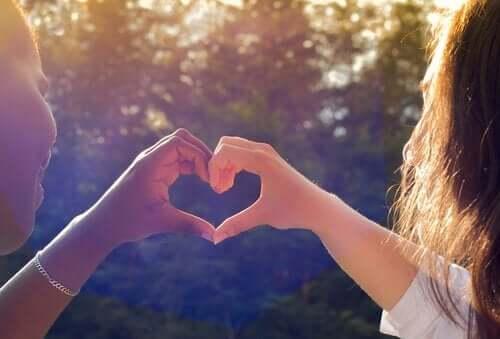 Sunne vennskap kan øke selvtilliten din.