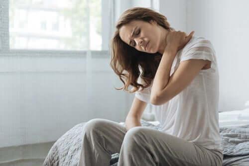 Hvordan oppfatter kroppen smerte og temperatur?