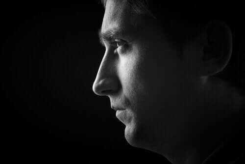 Profil av mann