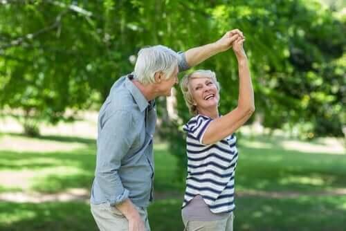 Et eldre par danser.