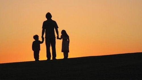 Felles foreldreansvar kan fremdeles opprettholdes selv om barna kun bor hos en forelder.