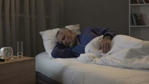 Sovende mann