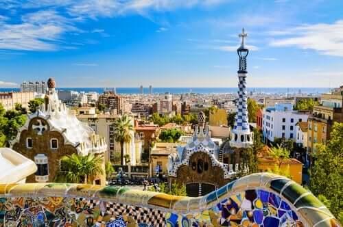 Guell parken ble designet av Antoni Gaudí.