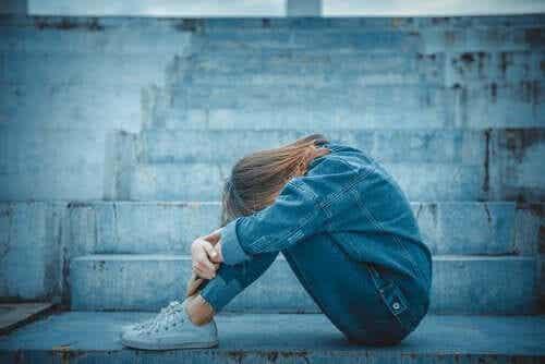 Følelsesmessig avhengighet i ungdommen