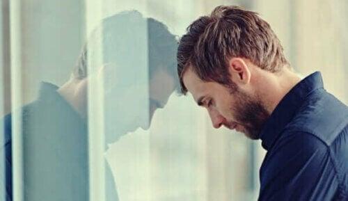 Forlenget følelsesmessig avhengighet er kun en utsettelse av det uunngåelige.