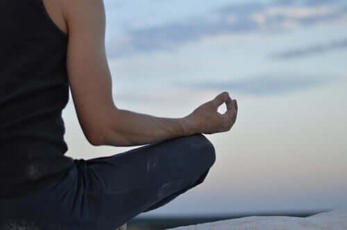 Kropp, sinn og meditasjon: Hva er forholdet mellom dem?