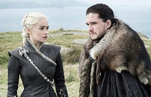 To karakterer fra Game of Thrones.