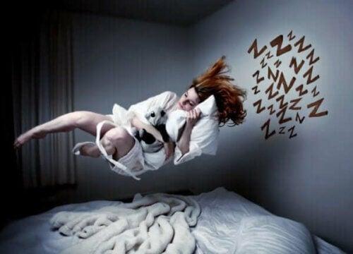 Kvinne drømmer