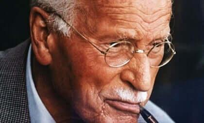 Nøklene til lykke, ifølge Carl Jung.