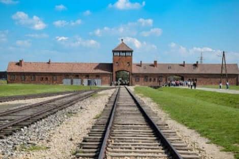 Chaim Ferster hadde et opphold i Auschwitz, i tillegg til tre andre konsentrasjonsleirer.