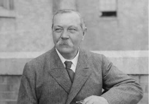 5 flotte sitater av Arthur Conan Doyle