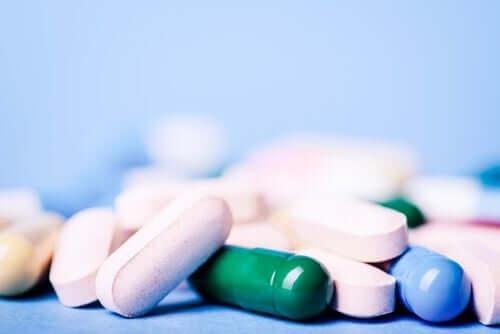 Hvordan fungerer opioide analgetika?