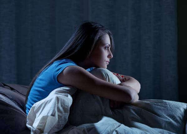 En søvngjenger kan ha problemer med å våkne ved søvngjengeri.