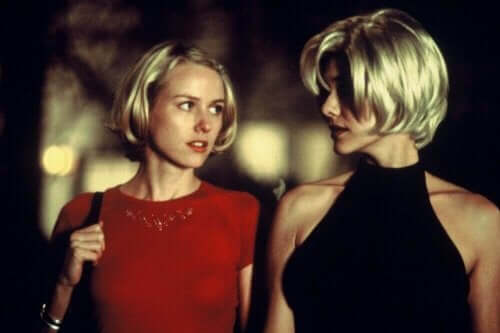 Naomi Watts og Laura Elena Harring i Mulholland Drive.
