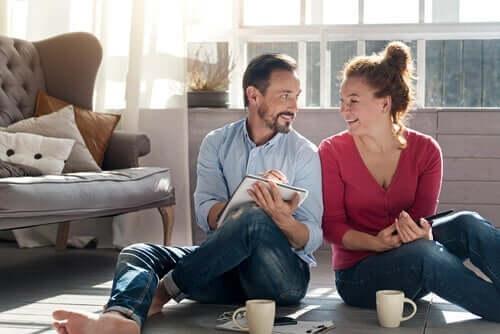 Slik styrker du og partneren din forholdet deres under isolasjonen