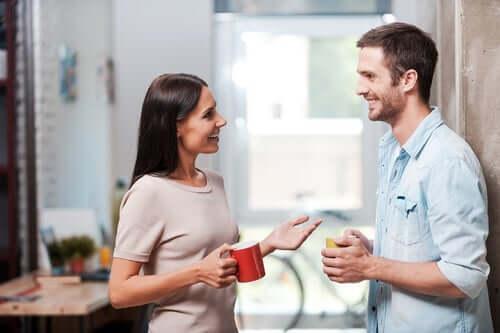 Ansikt til ansikt – avstand i verbal kommunikasjon