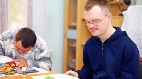 Samfunnet må ta grep for å jobbe mot likestilt inklusjon for folk med nedsatt funksjonsevne.