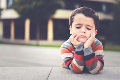 Kjedsomhet hos barn er ikke farlig.