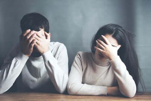 Par med dysfuksjonell oppførsel.