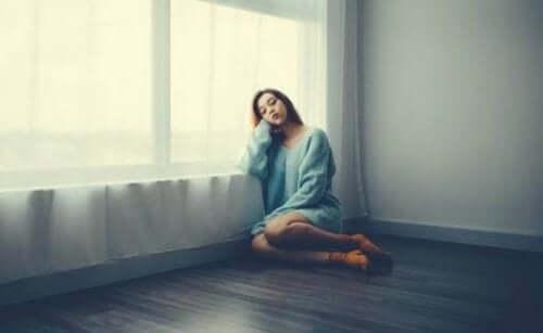 Frykt, tristhet og frustrasjon: de vanligste følelsene i COVID-19-krisa