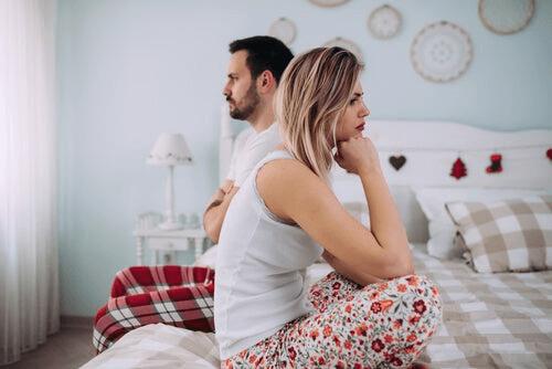 Forhold og spenninger i isoleringstiden