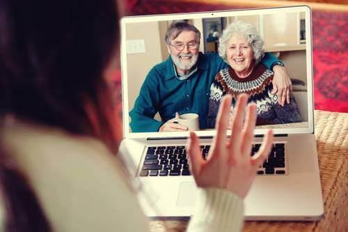 Videosamtale med besteforeldre
