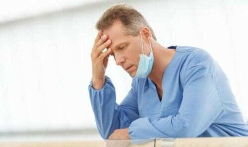 Helsearbeiderne våre: Sliten lege