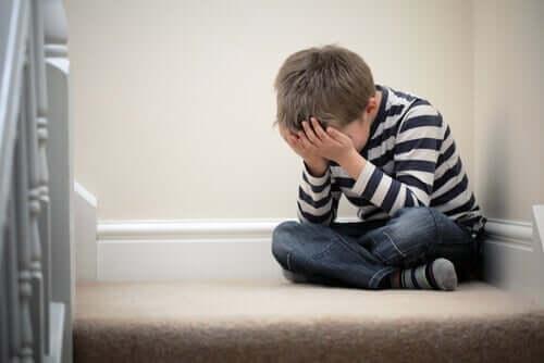 Et lite barn med angstproblemer.