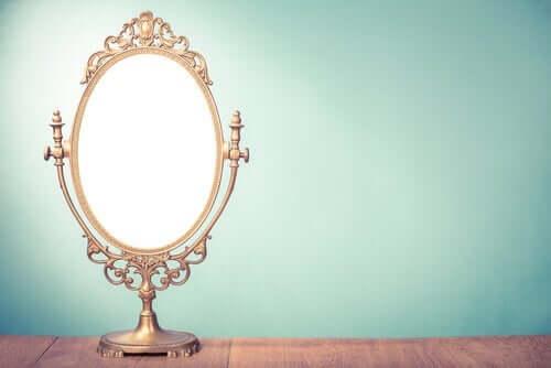 Speil fra The Lost Mariner.