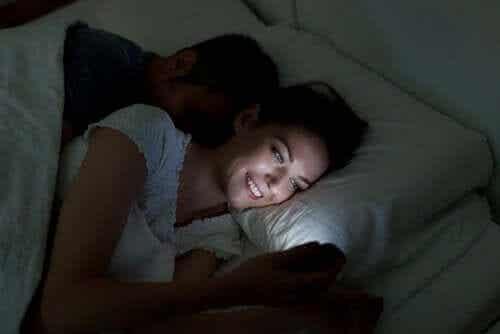 Digital søvnløshet og tips for å stoppe det