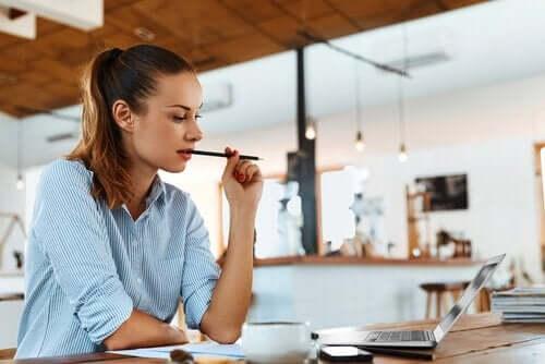 Fire tips for å jobbe og studere samtidig