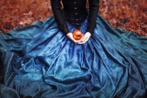 Feer er vakre og snille og hekser er stygge og ensomme, ifølge tradisjonelle eventyr.