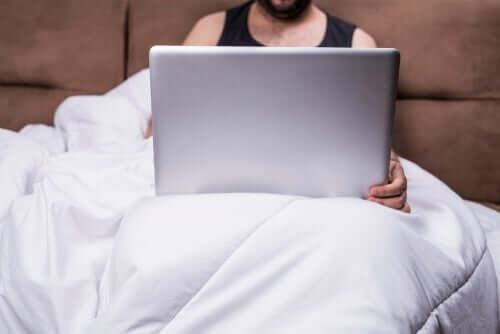 Lær hvordan pornografi påvirker forhold
