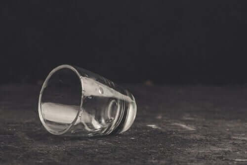 Selvbedrag og alkoholisme - hvordan de samarbeider