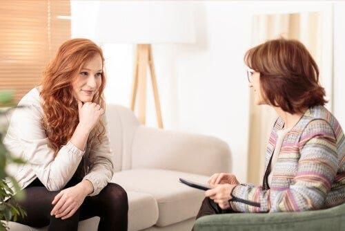 To kvinner i en terapitime.