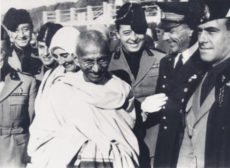 Mahatma Gandhi er forfaren til filosofien om integrert fred i vesten.