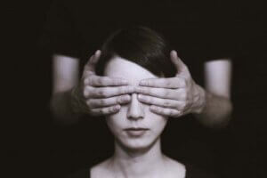 Å identifisere irrasjonell overbevisning kan forbedre ditt velvære