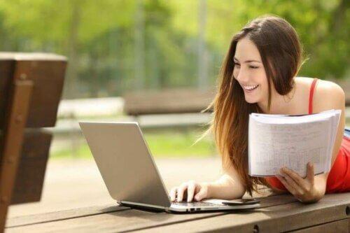 Fem tips til hvordan du kan studere uten å bli lei