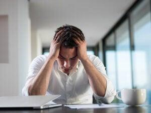 Forholdet mellom psykisk helse og økonomisk stress